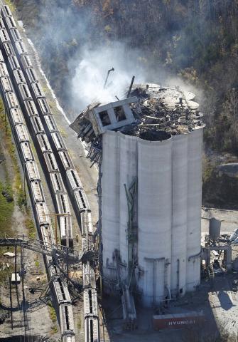 0325_grain-explosion-bartlett-elevator